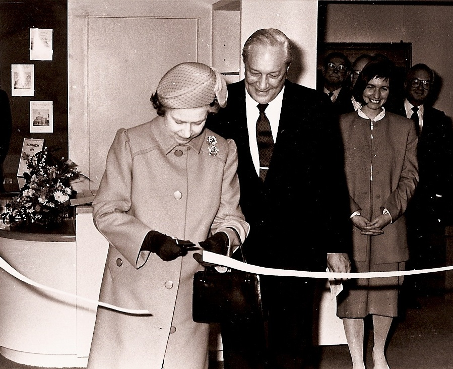 HM Queen cuts Museum tape